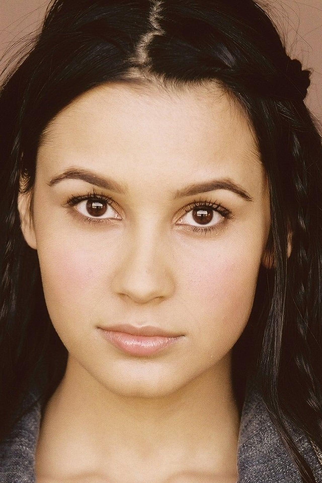 Sophia Taylor Ali isPenelope Amari