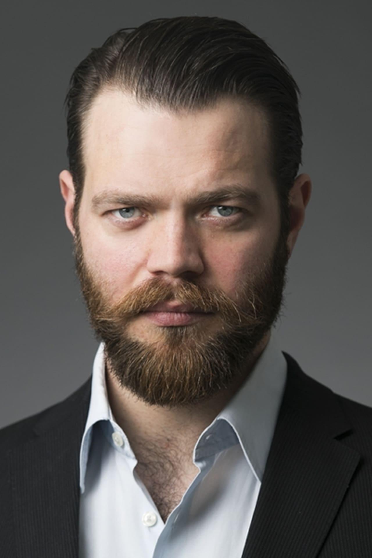 Jóhannes Haukur Jóhannesson isTau