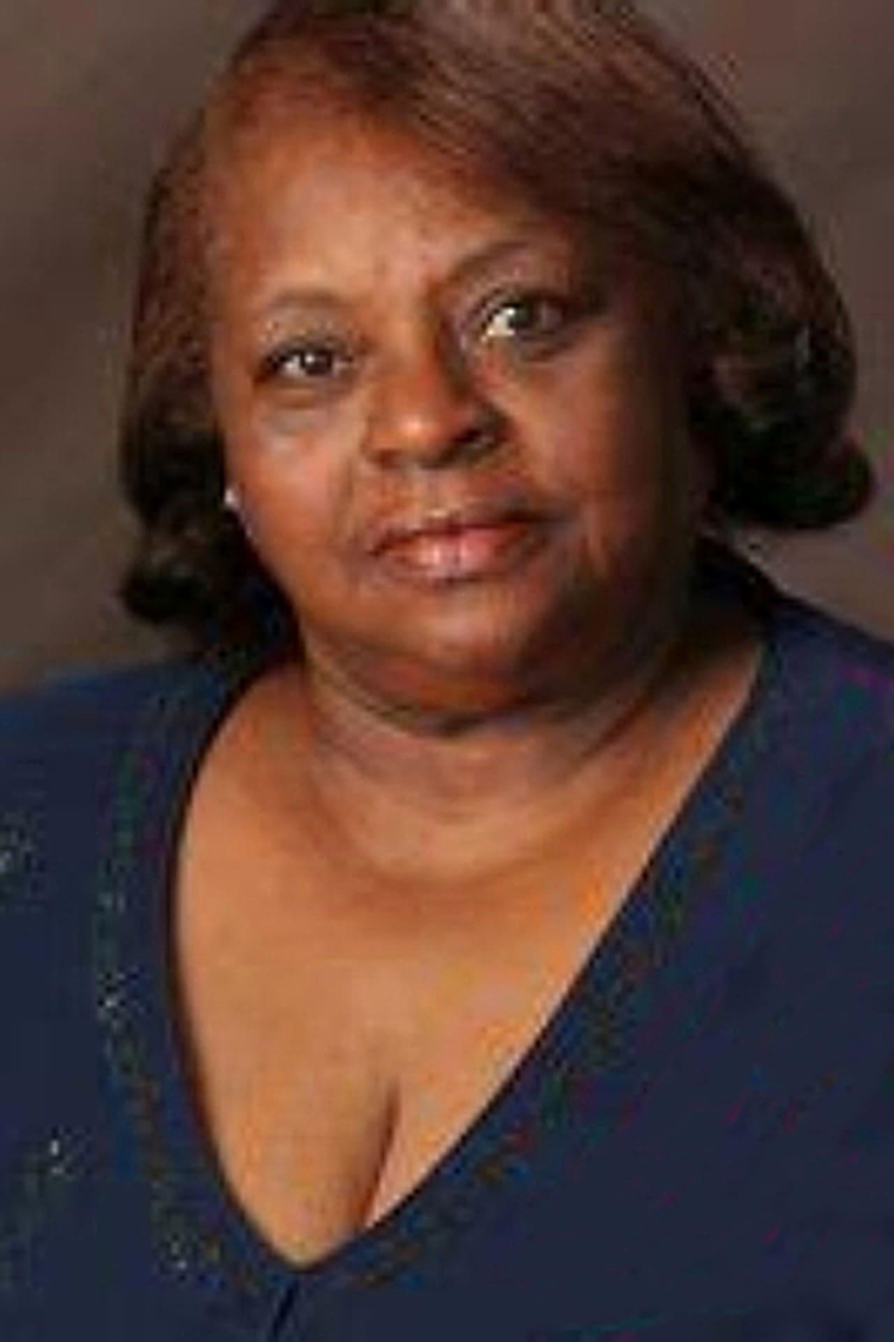 Maxine Barnett isMama Cynthia