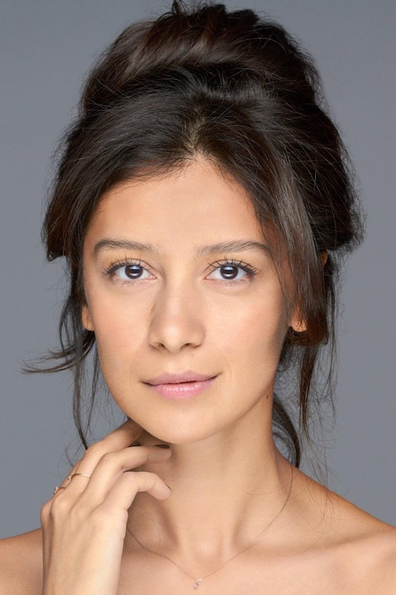 Ravshana Kurkova isElena