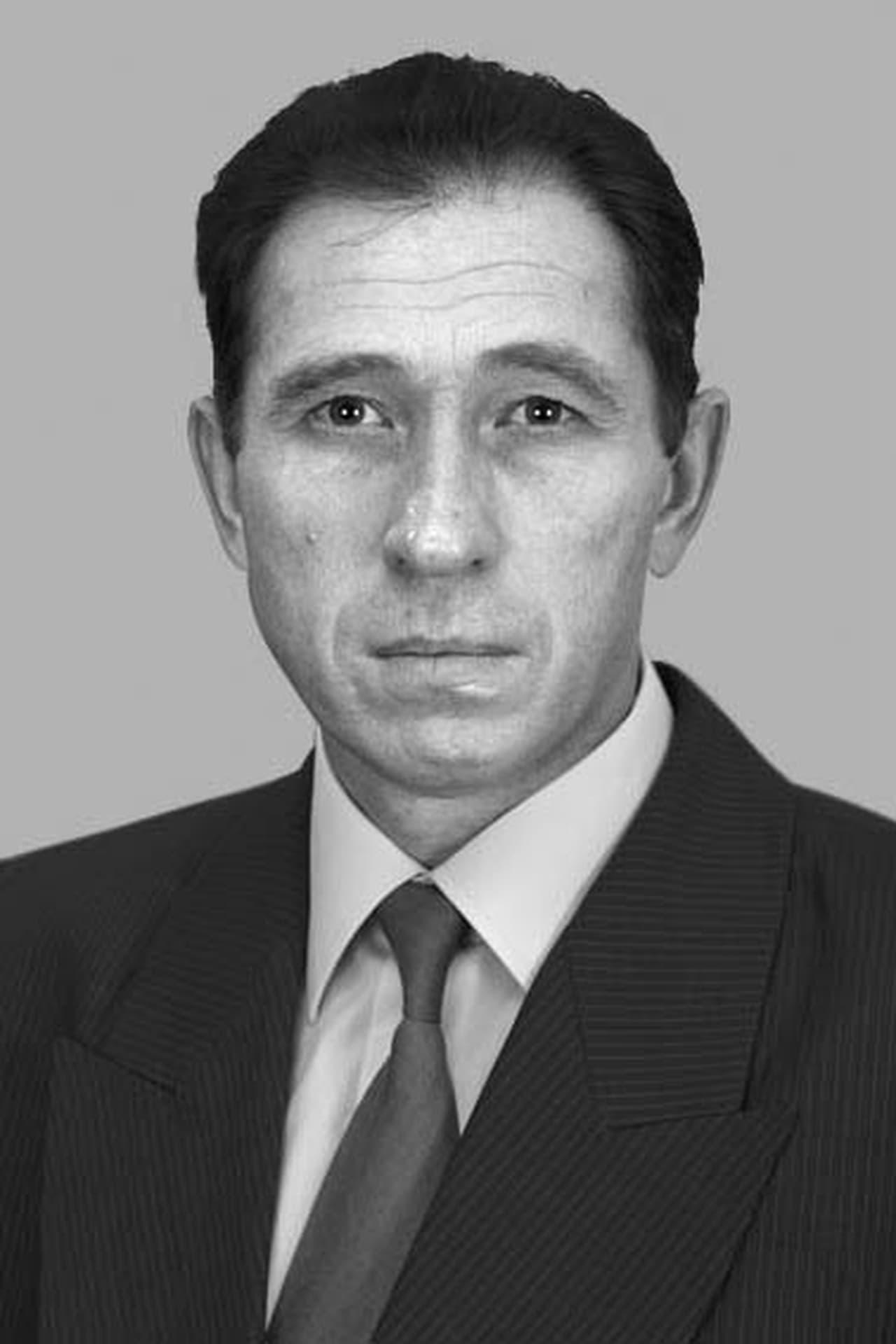 Viktor Zhdanov isStarui