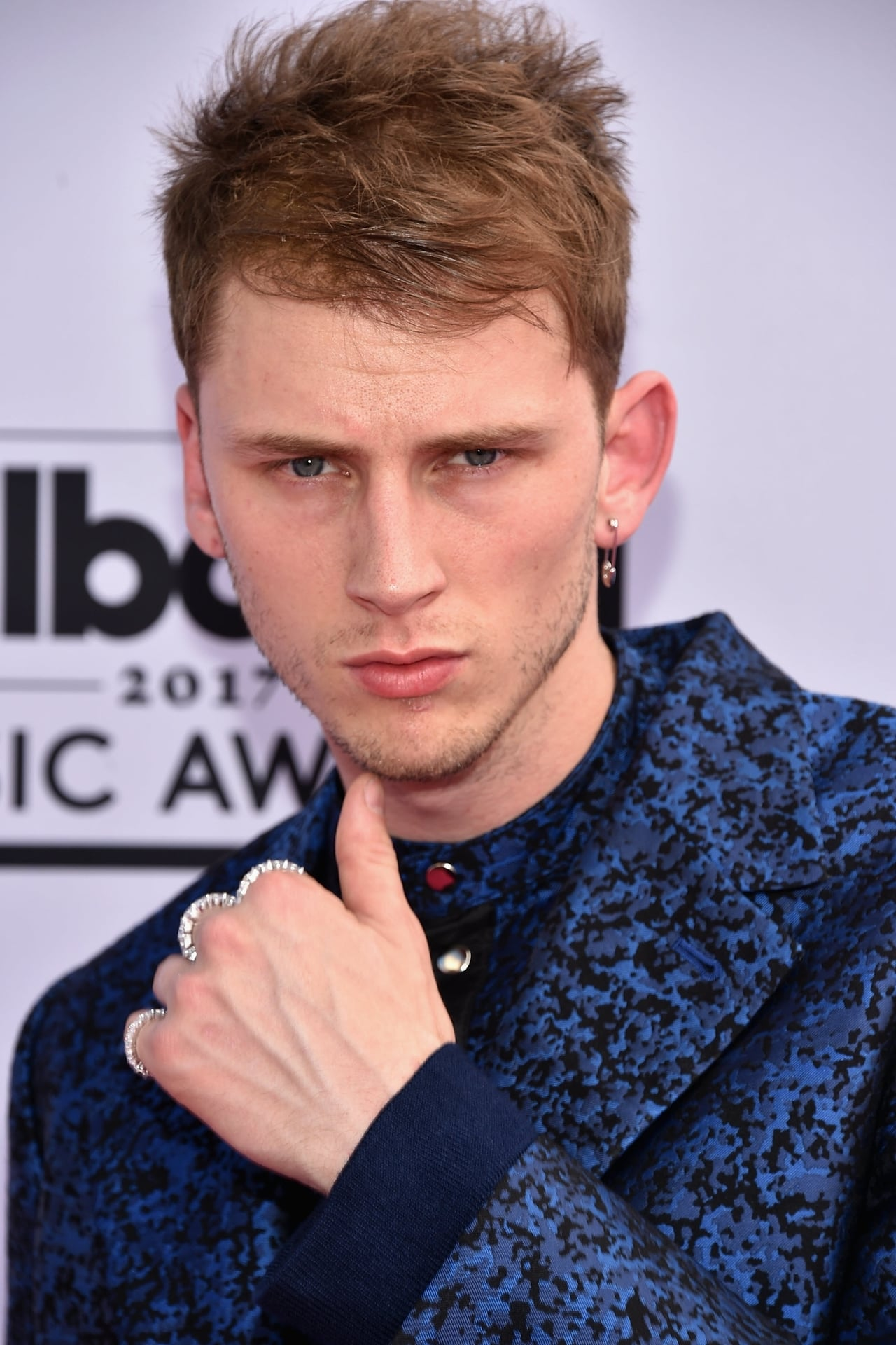 Machine Gun Kelly isJurgis