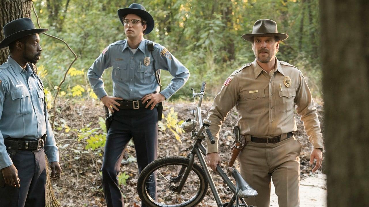 Stranger Things - Season 1 Episode 1 : Chapter One: The Vanishing of Will Byers (2019)