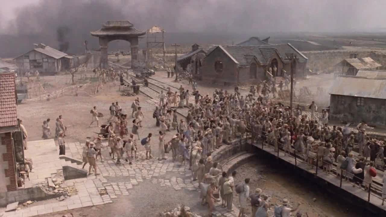 movie review empire of the sun Read user reviews of , 1987, with here at tcm empire of the sun is my favorite steven spielberg film yes, private ryan, et, the color purple, jaws, schindler's list, etc, were all great films, but empire of the sun touched my both my heart and spirit.
