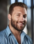 Jai Courtney isKyle Reese