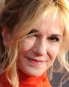 Holly Hunter isBeth Gardner