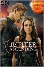 Jupiter Ascending: Jupiter Jones wurde unter dem Nachthimmel geboren. Bereits bei ihrer Geburt gab es erste Anzeichen, dass Jupiter etwas ganz Besonderes ist, berufen zu außergewöhnlichen Dingen. Als junge Erwachsene träumt sie von den Sternen, muss sich aber mit der harten und kalten Realität anfreunden. Sie hat bereits einige Trennungen hinter sich und lebt momentan mehr schlecht als recht von ihrem Job als Putzfrau. Doch dann kommt Caine auf der Erde an, ein genetisch veränderter Ex-Söldner. Er verschafft der jungen Frau einen ersten Eindruck davon, was das Schicksal für sie bereithält. Denn Jupiter gehört zu einer Blutlinie, die dazu in der Lage ist, das Gleichgewicht des gesamten Kosmos zu beeinflussen. Ihre Abstammung birgt große Gefahr: Der sinistere Balem will Jupiter tot sehen…