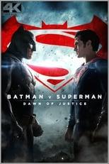 """Batman v Superman: Dawn of Justice: Zwei Wesen des zerstörten Planeten Krypton brachten im Finale von """"Man of Steel"""" Zerstörung auf die Erde: die Kontrahenten Superman und General Zod. Der böse Zod wurde geschlagen und der Mann aus Stahl wird fortan entweder als Gott verehrt oder – ob seiner Macht – als Bedrohung für die Menschheit verdammt. Ein gewichtiger Wortführer im globalen Shitstorm gegen Superman ist Bruce Wayne alias Batman. Der sorgt – moralisch unterstützt von Butler Alfred – für Ordnung in Gotham City und ist von den tödlichen Auswirkungen des Gigantenkampfes in der Nachbarstadt Metropolis auch persönlich betroffen. Er stellt sich gegen seinen rot bemäntelten Kollegen, verbal und mit Körpereinsatz. Doch während Batman und Superman kämpfen, taucht eine neue Bedrohung auf, die beide zusammenschweißen könnte und an der das junge Unternehmer-Genie Lex Luthor alles andere als unschuldig ist. Zeit, dass sich die Mitglieder der Heldengruppe Justice League formieren ..."""