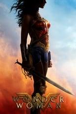 Wonder Woman: Diana stammt von Themyscira, der Insel der Amazonen, wo Frauen regieren und es keine Männer gibt. Doch auch auf dem paradiesisch wirkenden Eiland geht es um Macht und Kampf. Schon als Kind lernt Diana von ihrer Tante Antiope das Kämpfen. Als der amerikanische Pilot Steve Trevor auf der Insel strandet und von einem grauenvollen Krieg berichtet, der in der Welt der Menschen tobt, vermutet Diana dahinter das Wirken des vor langer Zeit verbannten Kriegsgottes Ares. So folgt sie Steve in unsere Welt und lässt ihr Zuhause mit ihrer Mutter, Königin Hippolyta, hinter sich, um Ares dort zu suchen, wo das Schlachtgetümmel am dichtesten ist. Doch in den Wirren des Ersten Weltkriegs bekommt sie es zunächst mit dem deutschen Heerführer General Ludendorff und dessen getreuer Wissenschaftlerin Dr. Maru zu tun, die den Krieg mit allen Mitteln für sich entscheiden wollen...