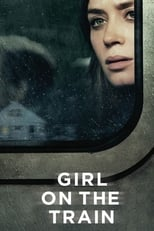 Girl On The Train: Jeden Tag nimmt die geschiedene Rachel Watson (Emily Blunt) den Zug, um nach Manhattan zur Arbeit zu kommen – zumindest tut sie so, denn vor Monaten hat sie ihren Job wegen ihres Alkoholproblems verloren und so fährt sie als reine Beschäftigungstherapie durch die Gegend. Und jeden Tag fährt sie damit an ihrem alten Haus vorbei, in dem sie mit ihrem Exmann gelebt hat. Dieser lebt noch immer in dem Haus, jetzt mit seiner neuen Frau und einem Kleinkind. Um sich von ihrem Schmerz abzulenken, fängt sie an, ein Pärchen (Hayley Bennett und Luke Evans) zu beobachten, das ein paar Häuser weiter wohnt. Die perfekte, glückliche Famile. Doch als sie eines Tages wieder mit dem Zug vorbei fährt, beobachtet sie etwas Schockierendes.