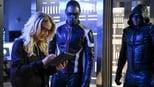 Arqueiro (Arrow): 6 Temporada, Inversão