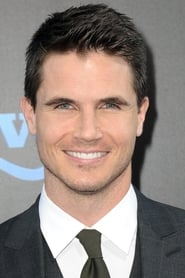 Photo de Robbie Amell Wesley Rush