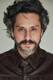 Alexandre Nero isPablo