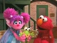 Elmo Shows Abby How to Pretend