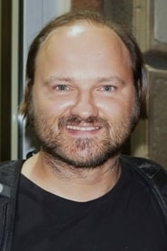 Sebastian Stankiewicz isBernard
