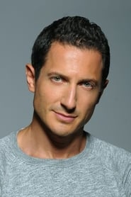 Photo de Sasha Roiz Captain Sean Renard