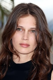 Photo de Marine Vacth Chloé