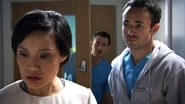 Holby City Season 16 Episode 27 : Cold Heart, Warm Hands