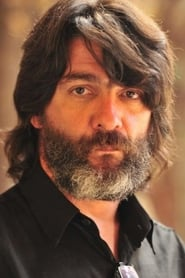 César Troncoso isMarcos Lázaro