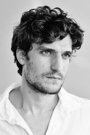 Photo de Louis Garrel capitaine Alfred Dreyfus