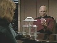 Star Trek: The Next Generation Season 4 Episode 14 : Clues