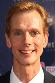 Doug Jones isHero Alien