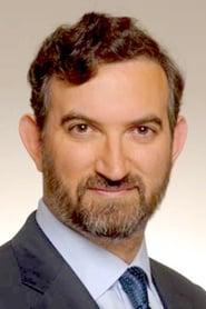 Adrian Dearnell isPrésentateur