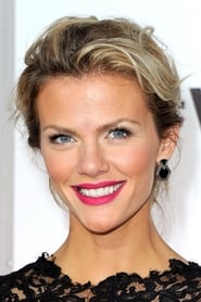 Brooklyn Decker isSkyler Cooper