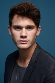 Photo de Jeremy Irvine Adam