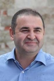 Şafak Sezer streaming movies