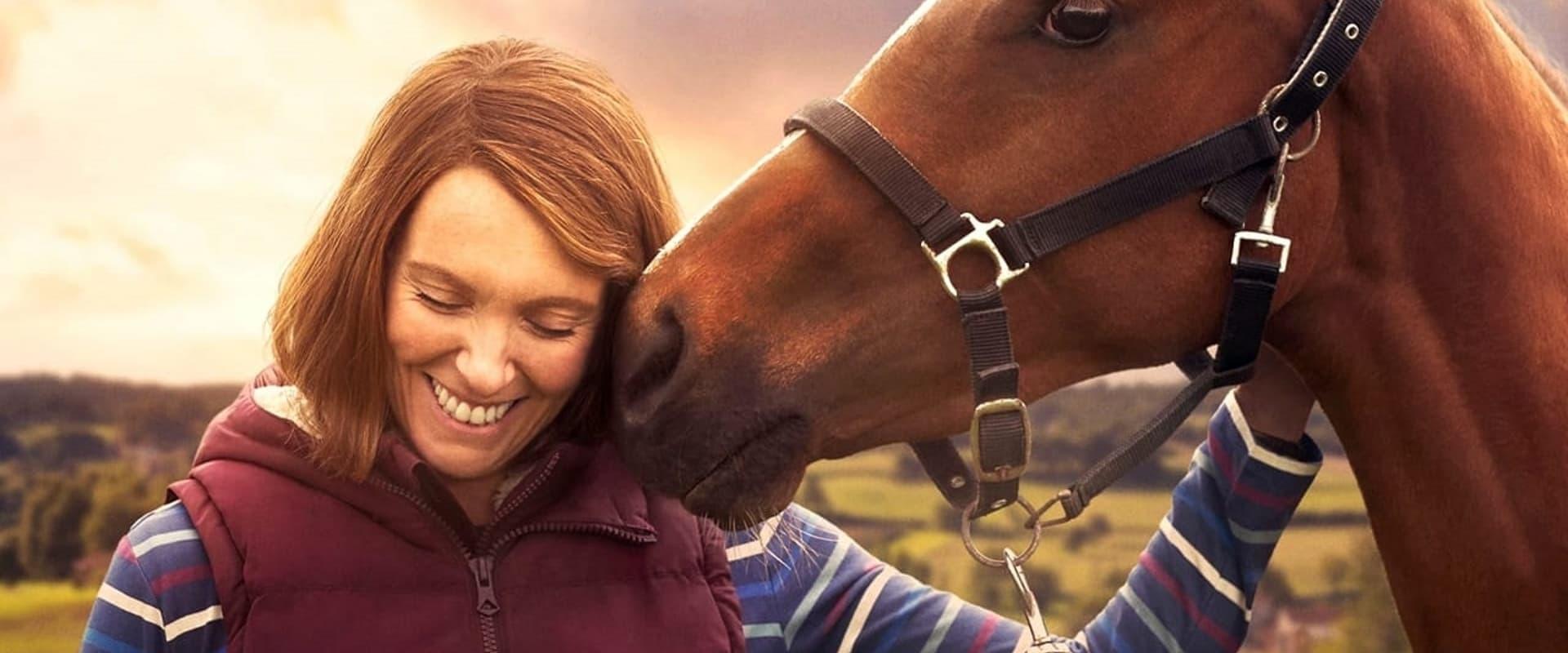 Dream HorseDie britische Komödie erzählt die aufrichtige wie unterhaltsame Geschichte von Underdogs, die zu Siegern werden. Gemeinsam teilen sie einen Traum, der sie aus ihrem tristen Leben reißen soll.