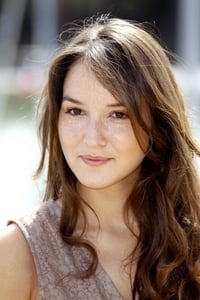 Anaïs Demoustier as Clémentine in Give Me Your Hand