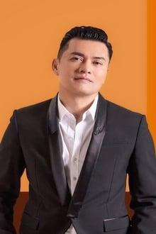 Photo of Ray Lui