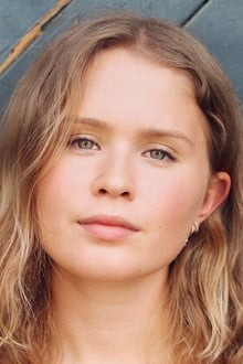 Photo of Eliza Scanlen