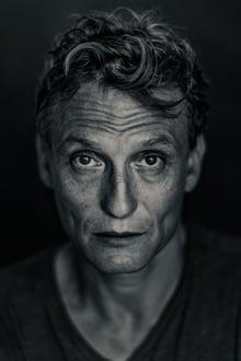 Photo of Oliver Masucci