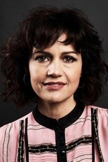 Photo of Carla Gugino