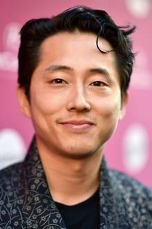 Photo of Steven Yeun