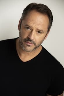 Photo of Gil Bellows