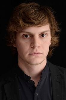 Photo of Evan Peters