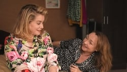Trailer latino Pelicula Dos mujeres