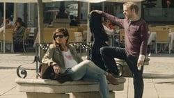 Trailer latino Pelicula Casi 40