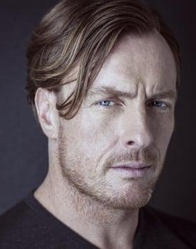 Toby Stephens Photo