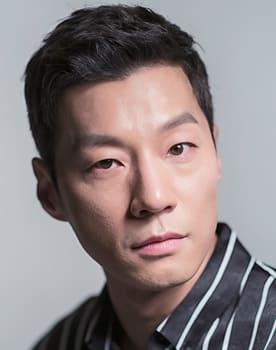 Lee Chun-hee Photo