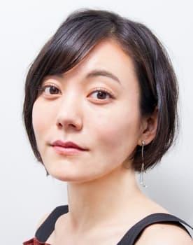 Anne Suzuki Photo