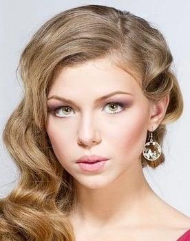 Taisiya Vilkova Photo