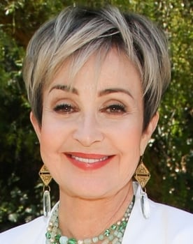 Annie Potts isBo Peep (voice)