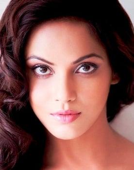 Neetu Chandra Photo