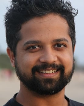 Anand Tiwari Photo