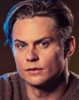 Billy Magnussen Photo