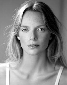 Ingrid Sophie Schram Photo